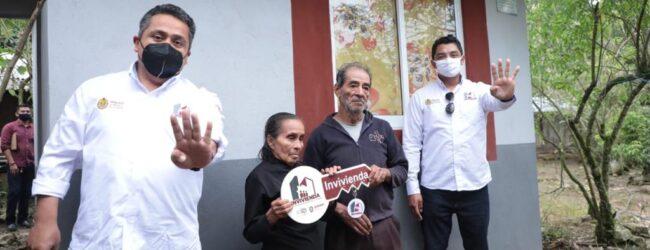 El Instituto Veracruzano de la Vivienda entrega 200 acciones de espacios adicionales a familias de Atzalan, Acajete y Tatatila