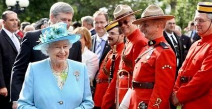 Isabel II evita este ALIMENTO para mantener su SALUD ¿Es el secreto de su longevidad?
