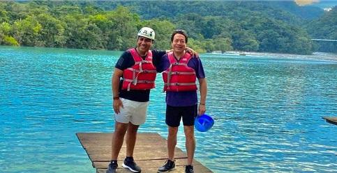 EL EJEMPLO DE LOS QUE GOBIERNAN…Presidente del Senado y líder de Morena visitan Chiapas sin cubrebocas