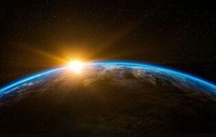 """NASA capta sorprendente galaxia de los """"Fuegos Artificiales"""" y difunde IMAGEN: así se ve"""