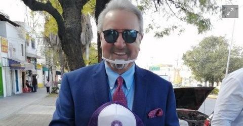"¡CHUSMA CHUSMA!…Carlos Villagrán, ""Quico"", se registra como precandidato a la gubernatura de Querétaro"