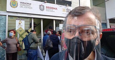 Concesionarios de verificentros y centros de verificación vehicular protestan en Sedema por traslado de cobro del servicio a Sefiplan