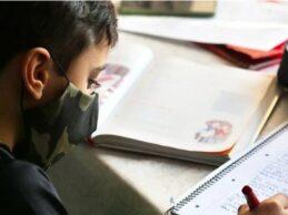 Reino Unido hará pruebas de Covid-19 a los niños para abrir escuelas