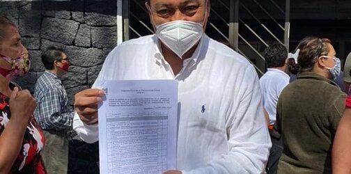 Claudio de los Santos, se registra como precandidato a la alcaldía de Ixtaczoquitlán
