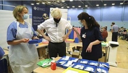 Gran Bretaña acelera plan de vacunación anti Covid-19