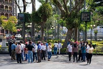 PROTESTAN VECINOS DE AGUSTÍN MILLÁN POR TRABAJOS EN CANTERA; AYUNTAMIENTO ESTABLECE MESA DE DIÁLOGO