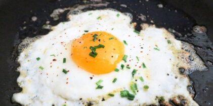 ¿Comes huevo todos los días? Estos podrían ser los daños a tu salud