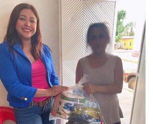 QUEDA BIEN CON LO AJENO…Utilizando recursos públicos, titular del DIF Municipal de Tenampa se promociona para buscar la alcaldía