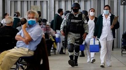 Autoridades siguen pidiendo INE para vacunación; Inai externa preocupación por uso de datos