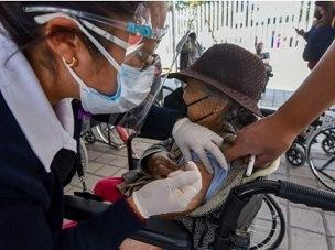 AUN FALTAN ABUELITOS Y QUE YA TERMINARON….Desaceleran en recta final; baja 70% vacunación de adultos mayores