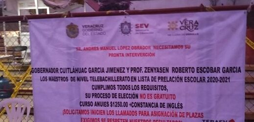 Egresados normalistas se manifiestan por segundo día consecutivo; se suman del subsistema de Telebachillerato; son atendidos por el titular de la SEV