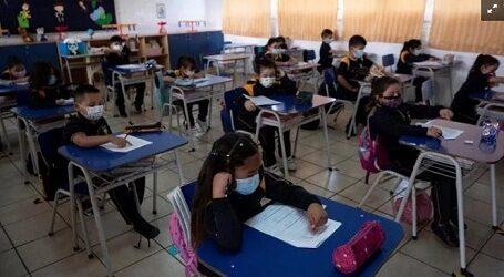 """¡VAYA RIESGO! QUE LO PIENSEN DOS VECES….A 15 días de la vacunación de maestros podrán reiniciar clases presenciales; """"no hay nada que temer"""", destaca AMLO"""