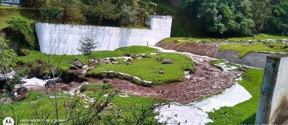 Por las lluvias, CMAS cierra presas que abastecen de agua a Xalapa, varias colonias están si el servicio