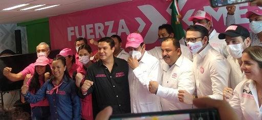 """Con """"huevos"""" combatirán persecución de gobierno    del estado a candidatos opositores: Gerardo Islas"""