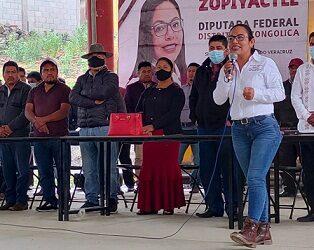 """Ni la lluvia ni el granizo paran a Itzel Domínguez en Soledad Atzompa""."