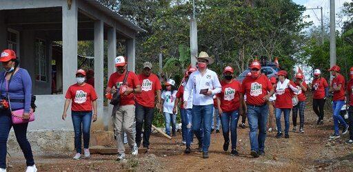 Programa de vivienda para los comapeños propone León Cantón.