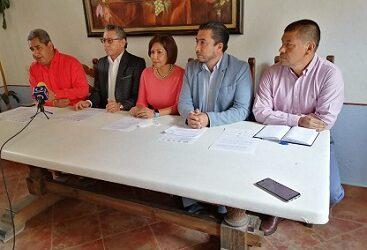 Dirigentes Magisteriales piden la destitución de Zenyanzen Escobar de la SEV.