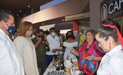 Sudcalifornianos disfrutan del aroma y sabor del café de Córdoba