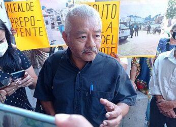 ALCALDE USURERO…Bloquean colonos de Xalapa la avenida Enríquez en protesta por elevados cobros de las tarifas que les aplica CMAS
