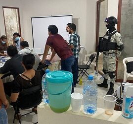 Candidato morenista a la alcaldía de Jesús Carranza contrata  porros para desestabilizar la sesión de conteo de votos del OPLE
