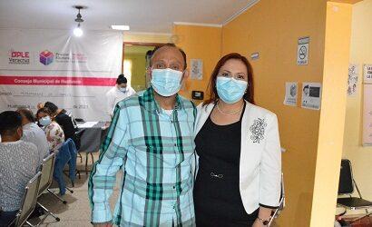 Huatusco tiene alcalde electo; recibe Ventura Demuner, constancia de mayoría