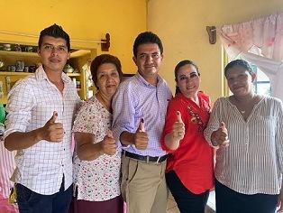 ACUDIO A VOTAR WILLIAM LOPEZ CANDIDATO DE PODEMOS  POR AMATLAN DE LOS REYES