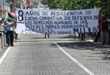 Ambulantes se manifiestan en el centro de Xalapa, acusan hostigamiento del DIAC