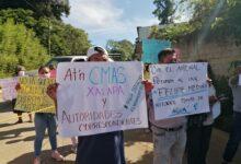 Vecinos de las colonias El Arenal y Haciendita de Xalapa y bloquean acceso al relleno sanitario, exigen a CMAS la introducción de agua potable