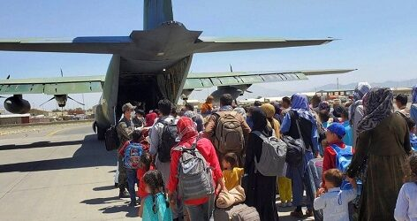 Pentágono confirma una explosión fuera del aeropuerto de Kabul