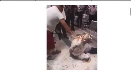 """Exhiben a agentes jugando al """"hombre pizza"""" en oficina de tránsito de Chihuahua"""