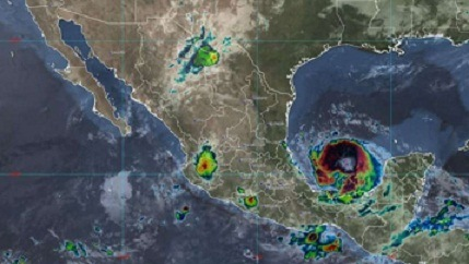 """""""Grace"""" se reintensifica a huracán categoría 1 y avanza hacia Veracruz"""