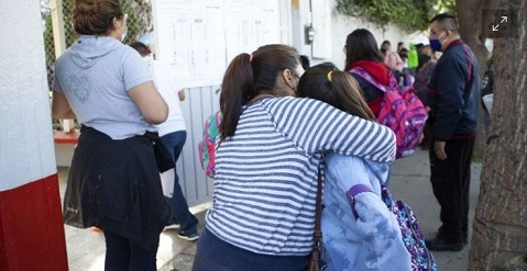 La CNTE refrenda rechazo a presenciales; aplica encuesta a padres de familia