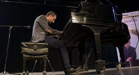 Disfrutan en Córdoba de noche de piano y videomapping