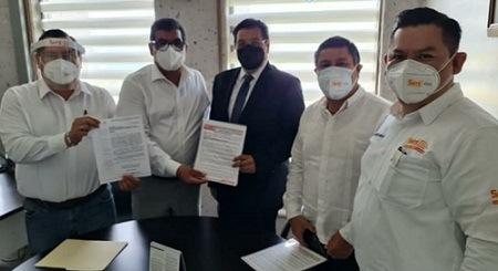 A LA BASURA LEGISLATIVA…Entrega Sección 56 del SNTE a diputados locales propuestas para    armonización de Ley General de Educación Superior de Veracruz
