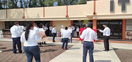 Trabajadores del Tecnológico de Alvarado inician  el ciclo escolar 2021-2022 laborando bajo protesta