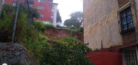 UN GRITO AUN A TIEMPO…9 edificios de Xalapa 2000 en riesgo de colapsarse por deslizamientos de tierra; Huracán Grace agravó el problema