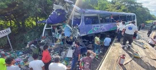¡TERRIBLE ACCIDENTE CERCA DE LAGUNA VERDE!