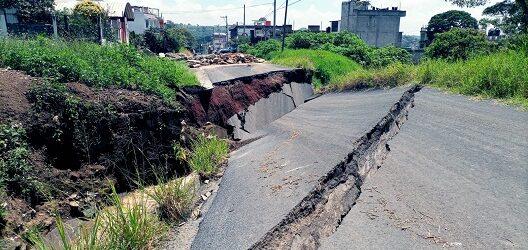 Ayuntamiento y SIOP realizan las acciones para reparar puente de la carretera Xalapa-El Castillo-Alto Lucero