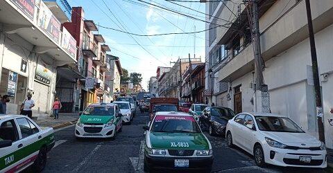 Cierran el centro de Xalapa al tránsito vehicular para mitigar contagios de COVID-19