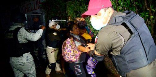 Tras enfrentamiento, autoridades dispersan cuarta caravana migrante en Chiapas