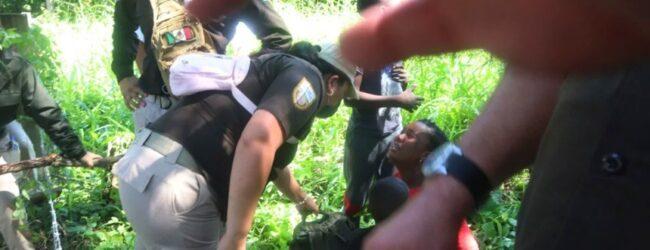 Agentes migratorios agreden a corresponsal de EL UNIVERSAL que cubre caravana en Chiapas