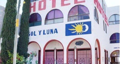 Comando secuestra a 20 extranjeros de hotel de San Luis Potosí