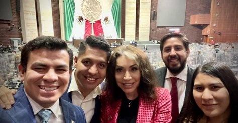 """La Luz del Mundo estrena """"mini bancada"""" en la Cámara de Diputados"""