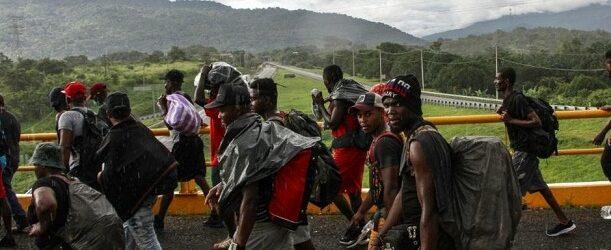 "Migrantes arman caravana de ""resistencia civil pacífica"" hacia la capital"