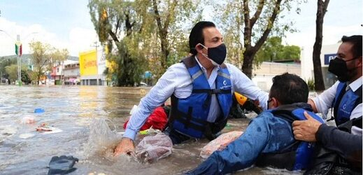 PONIENDO EL EJEMPLO…Se hunde lancha del gobernador Omar Fayad durante recorrido por Tula