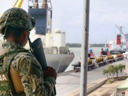 Senadores en EU piden suspender venta de armas a Marina y policías mexicanas