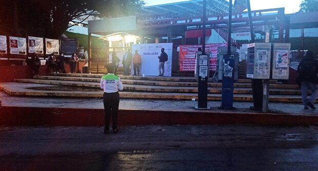 Padres de Familia de Escuela Primaria de Papantla, toman las oficinas de la SEV, demandan la escrituración del plantel