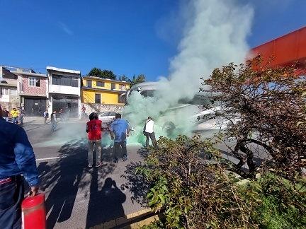 VIDEOS FUERTES…Trágico accidente de autobús de turismo en Xalapa-Banderilla