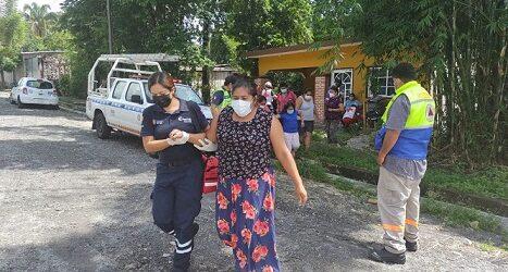 Auxilia personal del Ayuntamiento de Córdoba a vecinos de Cuauhtémoc por intoxicación