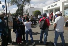Se manifiestan militantes de Fredepo en CMAS, denuncian cobros excesivos de las tarifas del servicio de agua potable